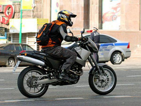 мотоцикліст